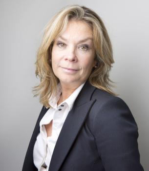 Image showing a portrait photo of Basildon Council Deputy Chief Executive: Mandie Skeat