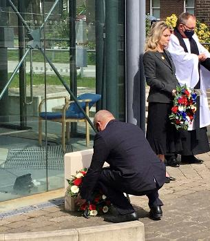 Decorative image showing Mayor of Basildon laying wreath in commemoration of HRH Prince Philip